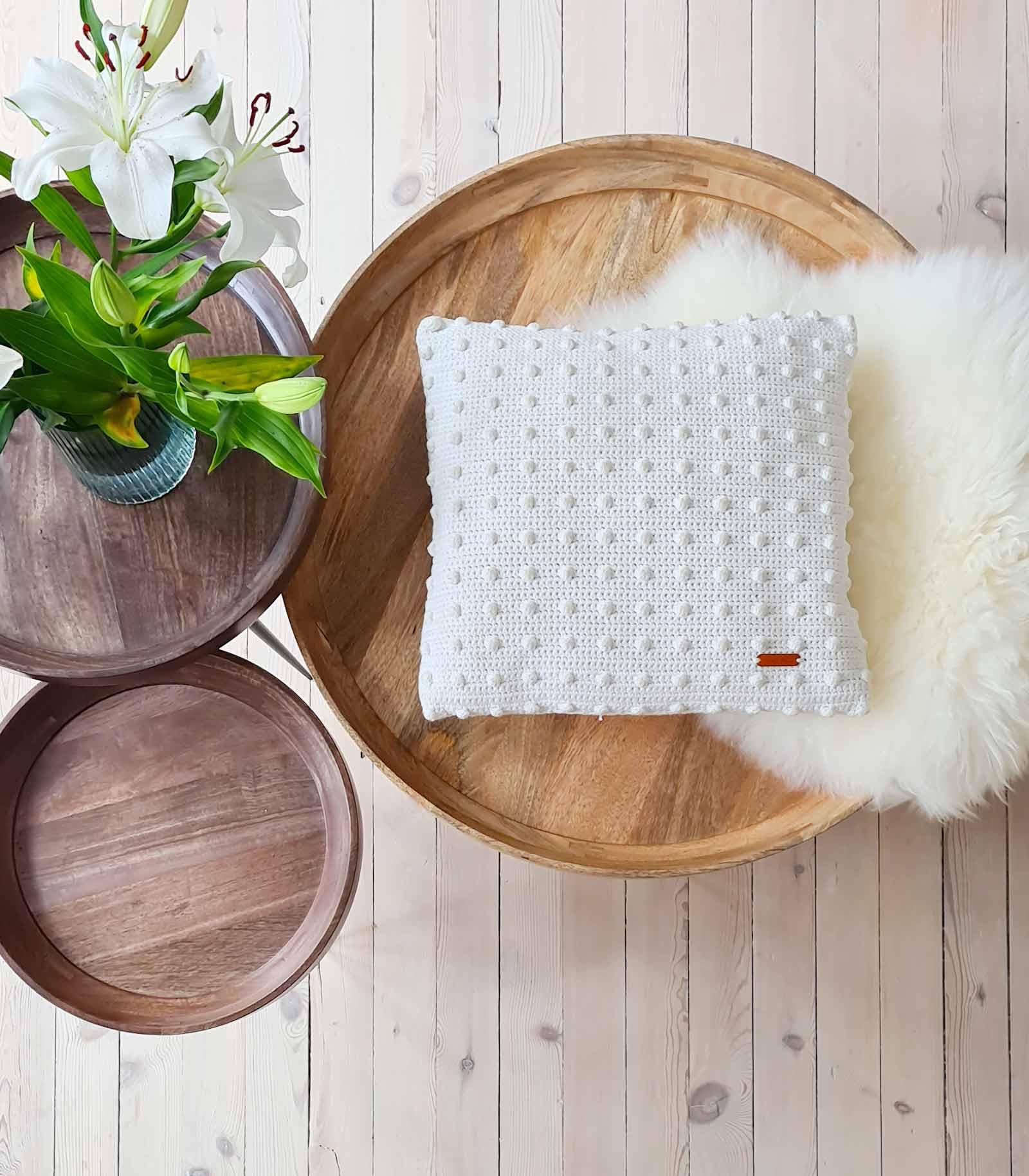 Free crochet pattern on Milla Billa: Malene Bobble Stitch Pillow