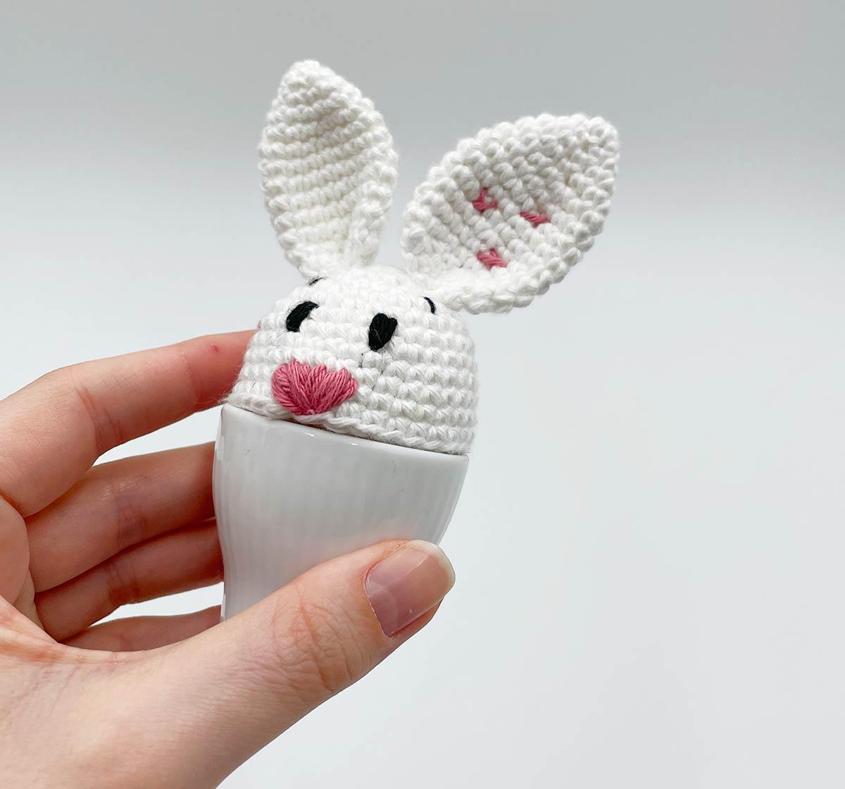 Den magiske påskekanin-æggevarmer: Ny gratis opskrift!